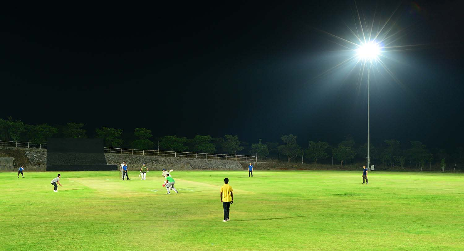 Cricket-stadium-flood-lights