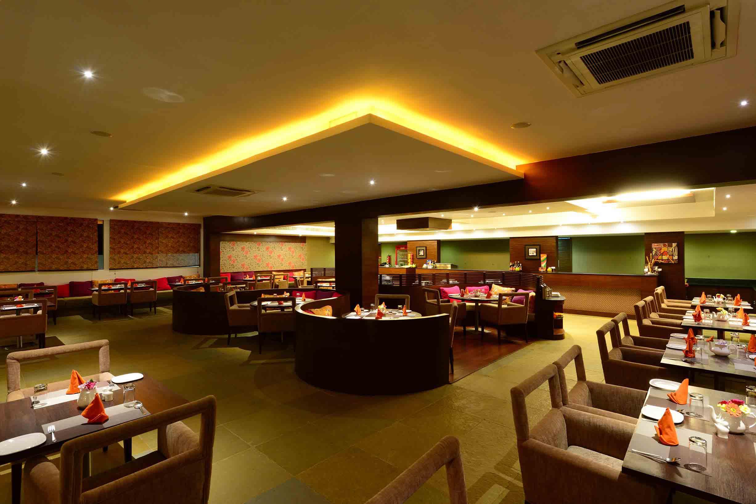 Fiesta Restaurant Interior 2-1, Palm Exotica